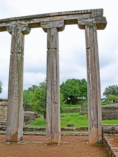 Stock Photo: 1566-679934 Tapering Pillars of Temple eighteen, 18, near Sanchi Stupa  Madhya pradesh, India