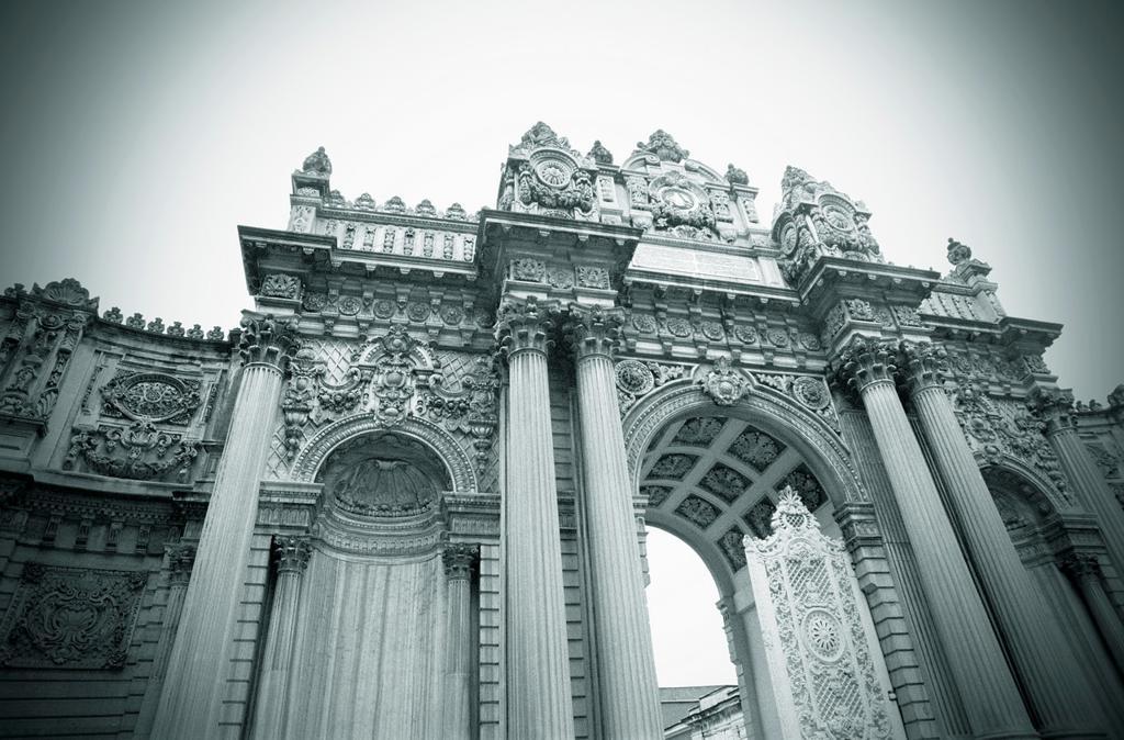 Stock Photo: 1566-681312 Turkey, Istanbul, Dolmabahce Palace, Main Gate