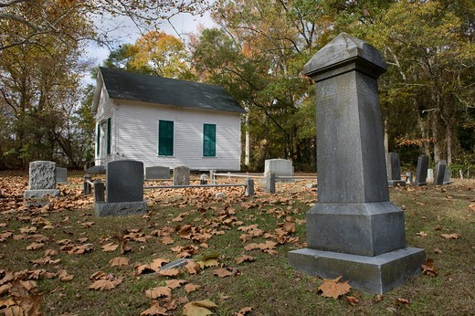Stock Photo: 1566-683830 Chapel and graveyard