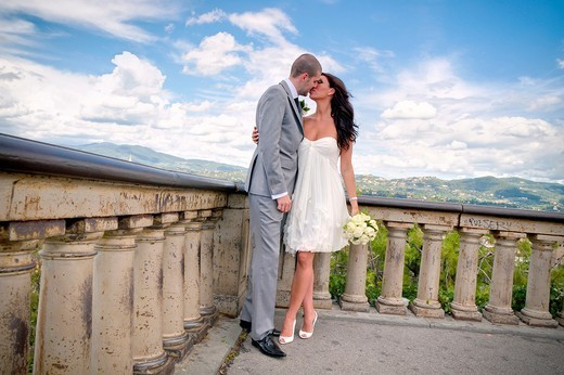 Stock Photo: 1566-684864 Couple just married at Piazzale Michelangelo in Florence Italy