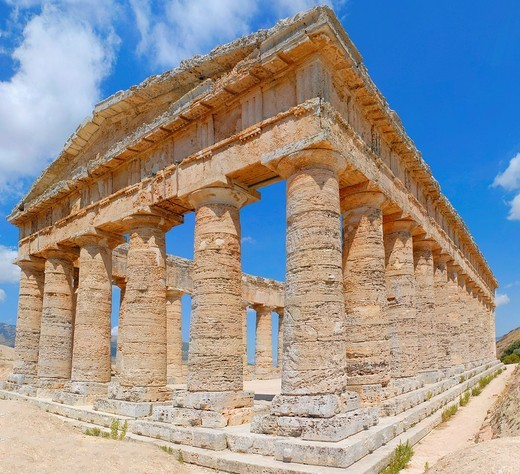 Full view of the Greek Doric temple Segesta Sicily Italy : Stock Photo