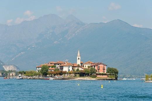Stock Photo: 1566-685149 Isola dei Pescatori Lago Maggiore Italy