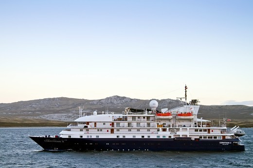 Expedition ship Corinthian II operating from Ushuaia, Argentina to the Falkland Islands to the Antarctic Peninsula in Antarctica, Southern Ocean  MORE INFO Lindblad Expeditions pioneered expedition travel for non-scientists to Antarctica in 1969 and conti : Stock Photo