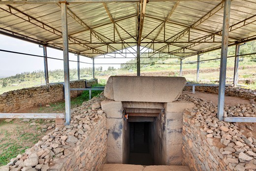 Tomb of Gebre Meskel in Aksum  The ruins of Aksum Axum are listed as UNESCO world heritage  The history of the old Aksum is still shrouded in mystery  The oldest ruins may date back as long as to the 10 century BC and are linked to the queen of sheba, whi : Stock Photo