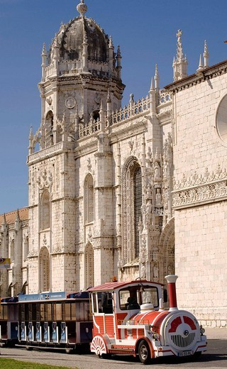 Mosterio dos Jeronimos is a monastery, commissioned in 1501 by Manuel I, Portuguese late Gothic period of architectural style of tthe 16th century, In 1983 it was classified by UNESCO as a World Heritage Site Belen, Lisbon, Portugal : Stock Photo