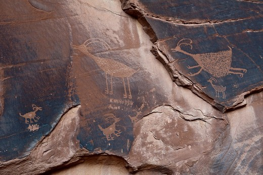 About 1500 year old wall paintings by Native Americans, Monument Valley, Arizona, USA : Stock Photo