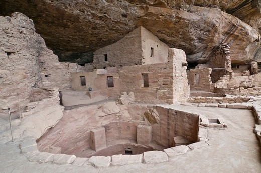Spruce Tree House, a cliff dwelling of the Ancestral Puebloans American Indians, about 1250 years old, Mesa Verde National Park, UNESCO World Heritage Site, Coloradi, USA : Stock Photo