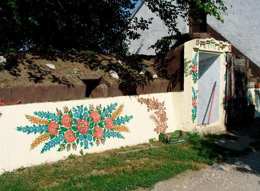 Stock Photo: 1566-694026 Painted garner wall in Zalipie, Poland