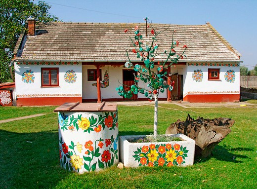 Stock Photo: 1566-694027 Painted house in Zalipie, Poland