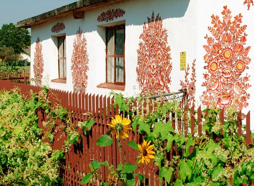 Stock Photo: 1566-694028 Painted house in Zalipie, Poland