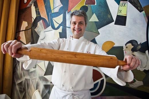 Fernando Canales Chef Etxanobe restaurant Euskalduna Palace. Bilbao. Biscay, Basque Country, Spain : Stock Photo