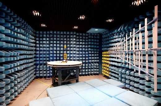 Camara de medida para ensayos de compatibilidad electromagnetica, Tecnalia Research and Inovation, Centro de Investigaci—n Desarrollo e Innovaci—n  I+ D+ i, Zamudio, Bizkaia, Euskadi, Spain : Stock Photo