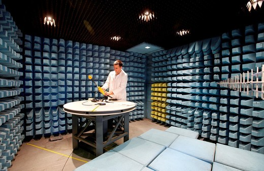 Stock Photo: 1566-698532 Camara de medida para ensayos de compatibilidad electromagnetica, Tecnalia Research and Inovation, Centro de Investigaci—n Desarrollo e Innovaci—n  I+ D+ i, Zamudio, Bizkaia, Euskadi, Spain