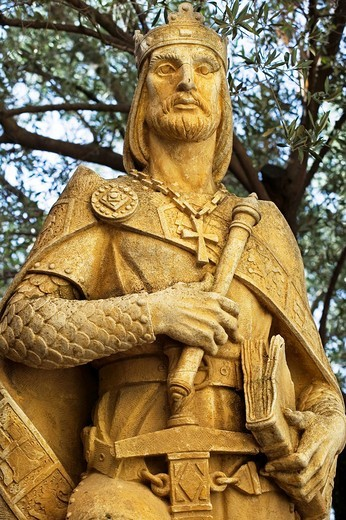 Statue of Alfonso X el Sabio in the Alcazar  Cordoba  Andalusia, Spain : Stock Photo
