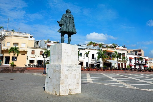 Statue of Nicolas de Ovando, Square of Spain, Santo Domingo, Dominican Republic, West Indies, Caribbean : Stock Photo
