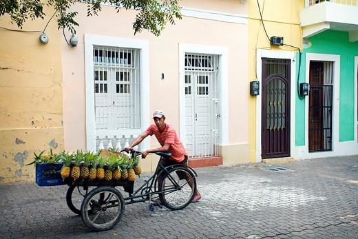 Stock Photo: 1566-705548 Street vendor, Santo Domingo, Dominican Republic, West Indies, Caribbean