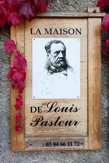 Stock Photo: 1566-708634 France, Jura Department, Franche-Comte Region, Arbois, sign for the Maison Pasteur, home of scientist Louis Pasteur