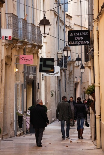 Stock Photo: 1566-708932 France, Languedoc-Roussillon, Herault Department, Montpellier, rue de l´Ancien Courrier, designer boutique street