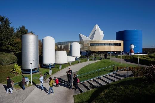 Stock Photo: 1566-709304 France, Midi-Pyrenees Region, Haute-Garonne Department, Toulouse, Cite de l´Espace space park, visitors, NR
