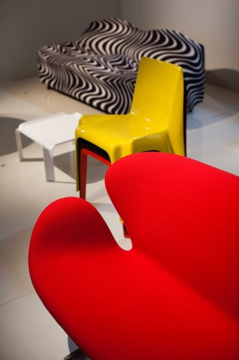 Stock Photo: 1566-709879 France, Paris, Museum of Decorative Art, exhibit of contemporary french furniture, Mobi Boom, Bofinger chair, 1965 by Helmut Batzner and Cygne chair by Arne Jacobsen, 1958