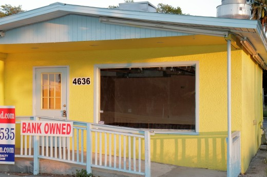 Stock Photo: 1566-714201 Florida, Fort Ft  Myers, sign, bank owned, empty, commercial property, yellow,