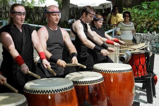 Florida, Miami, MacArthur Causeway, Ichimura Japanese Garden, Haru Matsuri Spring Festival, Fushu Daiko Drummers, performance, teamwork, : Stock Photo