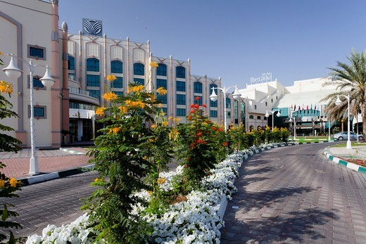 Exterior front entrance of the Rotana Resort Hotel in Al Ain, Abu Dhabi Emirate, UAE. : Stock Photo