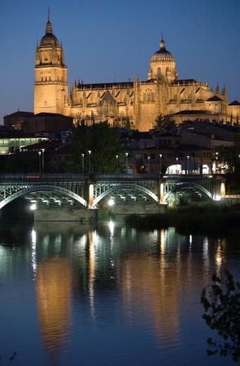 Stock Photo: 1566-722354 Enrique Esteban Bridge, River Tormes and cathedral, Salamanca, Castilla y León, Spain