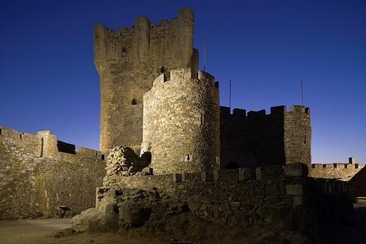Castle, Monleón, Salamanca province, Castilla y León, Spain : Stock Photo