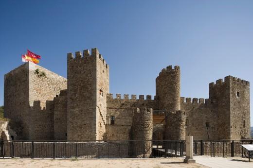 Castle, Montemayor del Río, Salamanca province, Castilla y León, Spain : Stock Photo