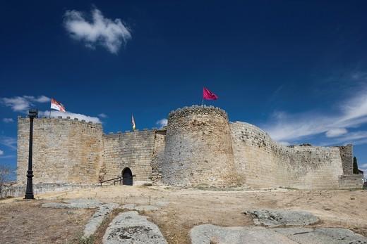 Stock Photo: 1566-722400 Castle, Ldesma, Salamanca province, Castilla y León, Spain