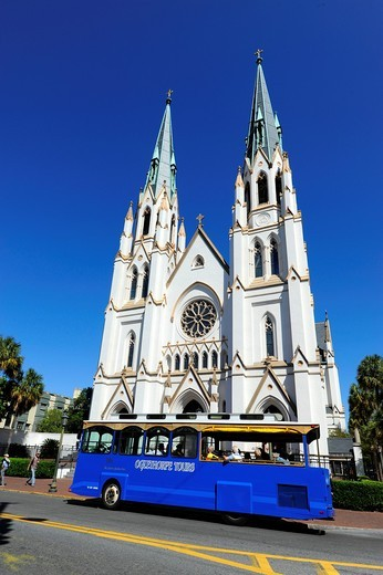 The Cathedral of St John the Baptist Abercorn and East Harris Streets historic Savannah Georgia GA : Stock Photo