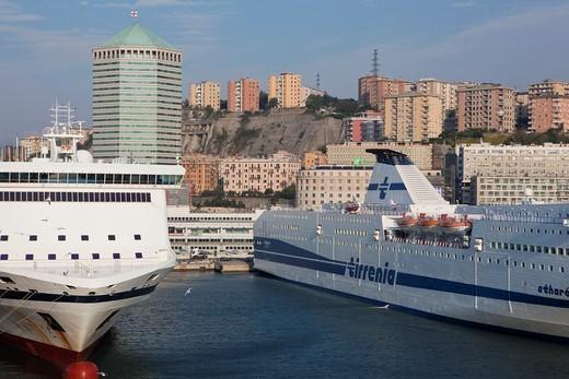 Stock Photo: 1566-727768 The port of Genoa