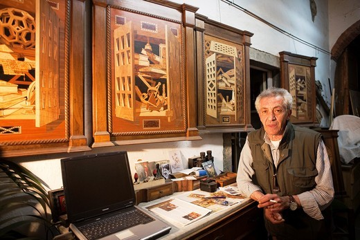 Stock Photo: 1566-728676 artisan wood carver in Cortona