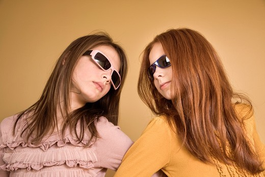 Preteen girls wearing sunglasses : Stock Photo