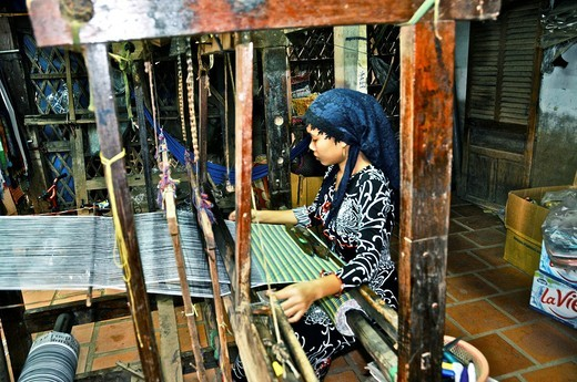 Stock Photo: 1566-730304 Vietnam, Can Tho province, Mekong Delta, Village of silk weaver