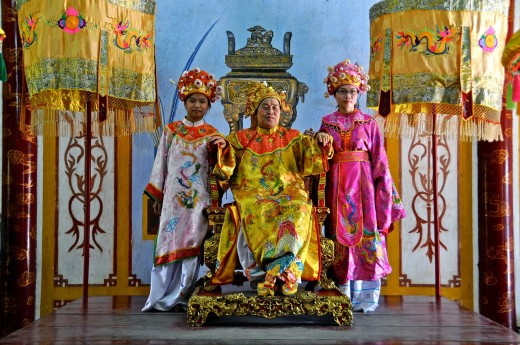 Vietnam, Thua Thien Hue, Hue classified World Heritage by UNESCO, an imperial city, costume traditionnel : Stock Photo
