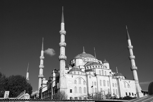 Stock Photo: 1566-736516 Blue Mosque in Istanbul