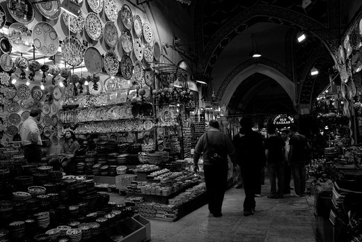 Stock Photo: 1566-736846 Shops in the bazaar of Istanbul at night