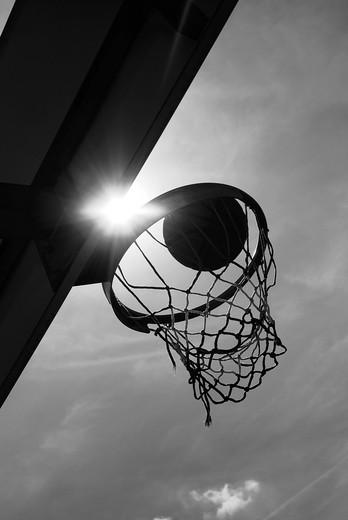 Stock Photo: 1566-737319 Ball falls in basket