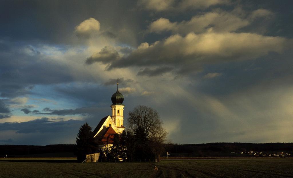 Stock Photo: 1566-737607 Catholic chapel at weather mood