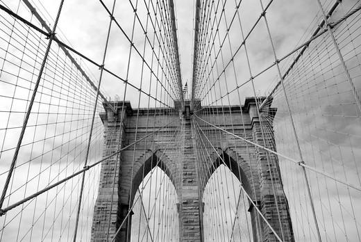 Neo-gothic gates of the Brooklyn Bridge : Stock Photo