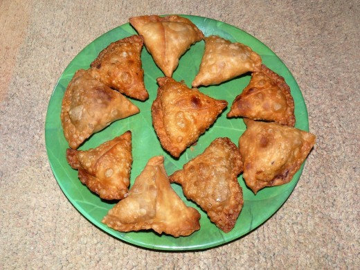 Vegetarian snacks, Samosa, India : Stock Photo