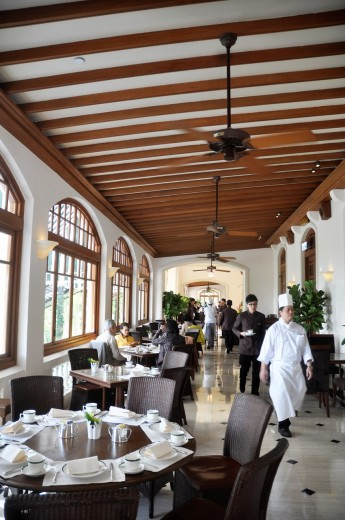 Hong Kong: the restaurant The Verandah at the Repulse Bay Hotel : Stock Photo