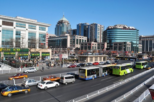 Beijing (China): the avenue  facing the train station, in the Chongwen district : Stock Photo