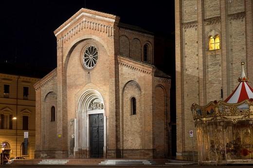 Italy, Emilia Romagna, Forlì  Piazza Aurelio Saffi, San Mercuriale Church : Stock Photo