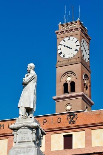 Stock Photo: 1566-743826 Italy, Emilia Romagna, Forlì  Piazza Aurelio Saffi, Monument
