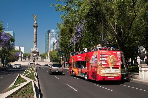 Reform Avenue and Angel of Independence at Mexico City : Stock Photo