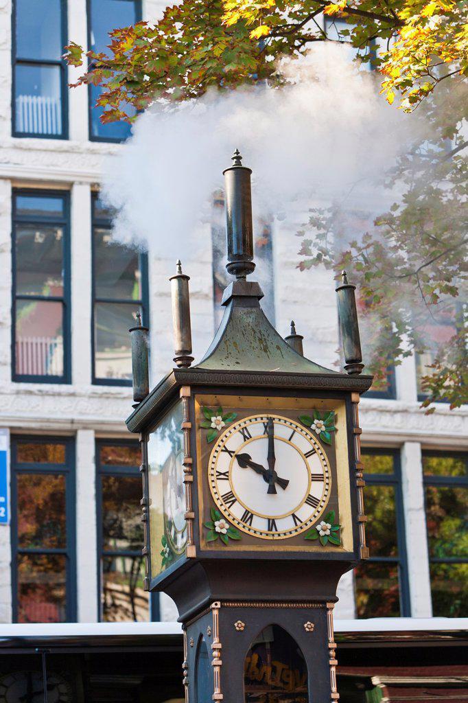 Stock Photo: 1566-744763 The historic steam clock in Vancouver, British Columbia, Canada