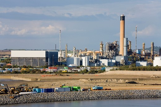 Stock Photo: 1566-745487 Oil refinery in Southend-on-Sea, River Thames, Essex County, England, United Kingdom, Europe